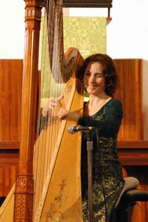 Stephanie Bennett performs in Dayton, Ohio, November 3, 2007